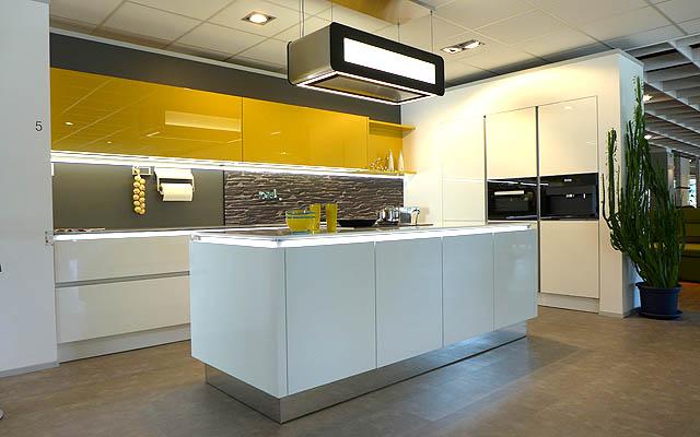 bruckner einrichtungshaus neue szene augsburg das stadtmagazin f r augsburg schwaben und. Black Bedroom Furniture Sets. Home Design Ideas