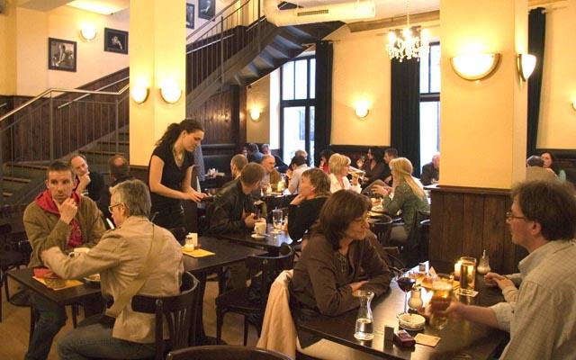 thalia kaffeehaus neue szene augsburg das stadtmagazin f r augsburg schwaben und umgebung. Black Bedroom Furniture Sets. Home Design Ideas