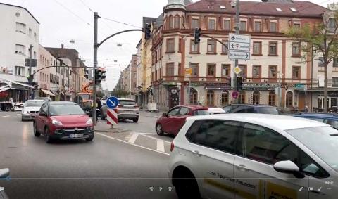 Ampeln fallen aus an der Kreuzung Oberhauser Bahnhof ==> Der Verkehr läuft flüssiger und ruhiger als mit Ampeln