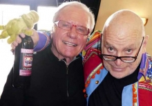 Kanu-Legende Karl-Heinz Englet gratuliert Arno Löb zum 70er